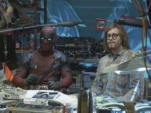 zdjęcie z filmu Deadpool 2. Ryan Reynolds, T.J. Miller