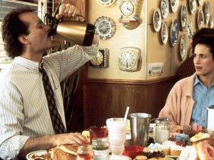 zdjęcie z filmu Dzień świstaka. Bill Murray, Andie MacDowell