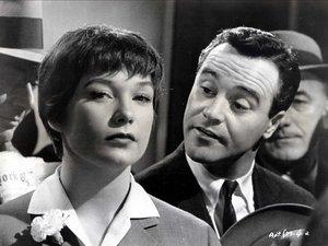 zdjęcie z filmu Garsoniera, Jack Lemmon, Shirley MacLaine