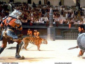 zdjęcie z filmu Gladiator. Russell Crowe
