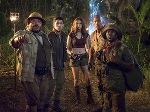 zdjęcie z filmu Jumanji: Przygoda w dżungli. Dwayne Johnson, Kevin Hart, Jack Black, Karen Gillan