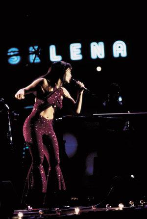 zdjęcie z filmu Selena. Jennifer Lopez