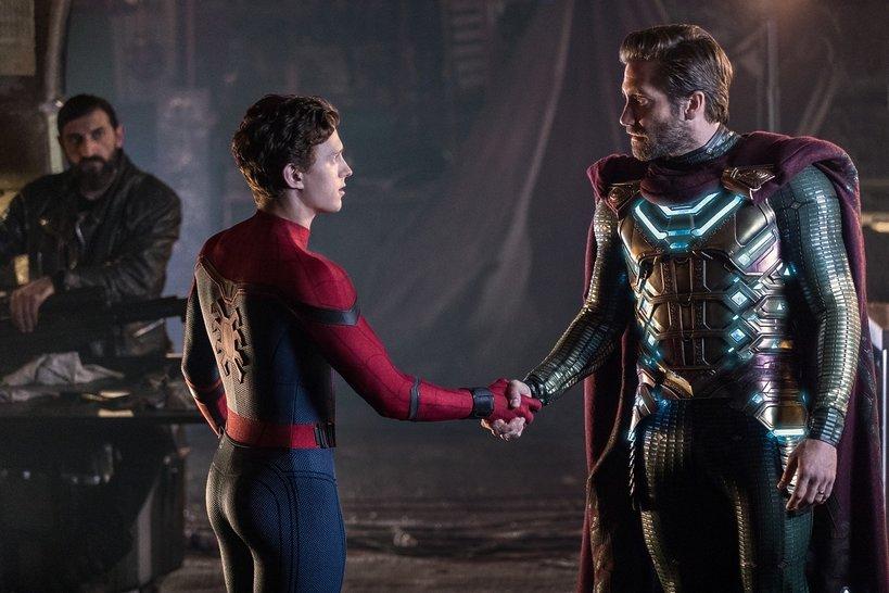 zdjęcie z filmu Spider-Man: Daleko od domu. Tom Holland, Jake Gyllenhaal