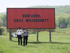 zdjęcie z filmu Trzy billboardy za Ebbing, Missouri. Woody Harrelson, Sam Rockwell