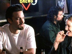 zdjęcie z filmu W pogoni za Amy. Ben Affleck, Joey Lauren Adams