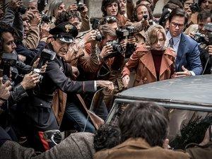 zdjęcie z filmu Wszystkie pieniądze świata w reżyserii Ridleya Scotta, Michelle Williams, Mark Wahlberg. Monolith Films