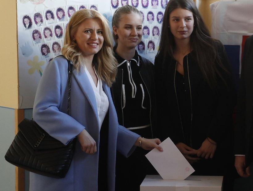 Zuzana Caputova z córkami, pani prezydent Słowacji