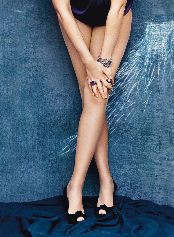 Anna Guzik gołe nogi