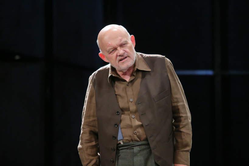 Adam Ferency, Warszawa, 10.12.2019 rok. Próba medialna Biesów, w reżyserii Janusza Opryńskiego, w Teatrze Dramatycznym - Scena na Woli