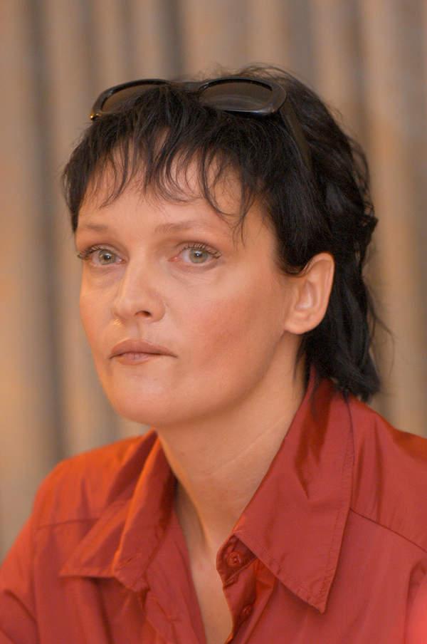 Adrianna Biedrzyńska, konferencja prasowa, sierpień 2003
