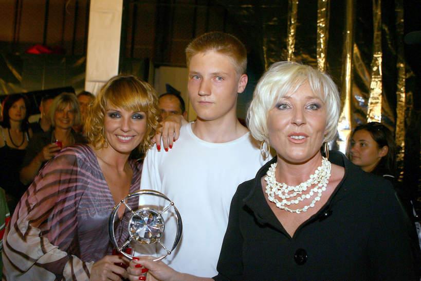 Agnieszka Włodarczyk, mama Agnieszki Włodarczyk, Anna Stasiukiewicz, brat Agnieszki Włodarczyk, Warszawa, 02.06.2007 rok