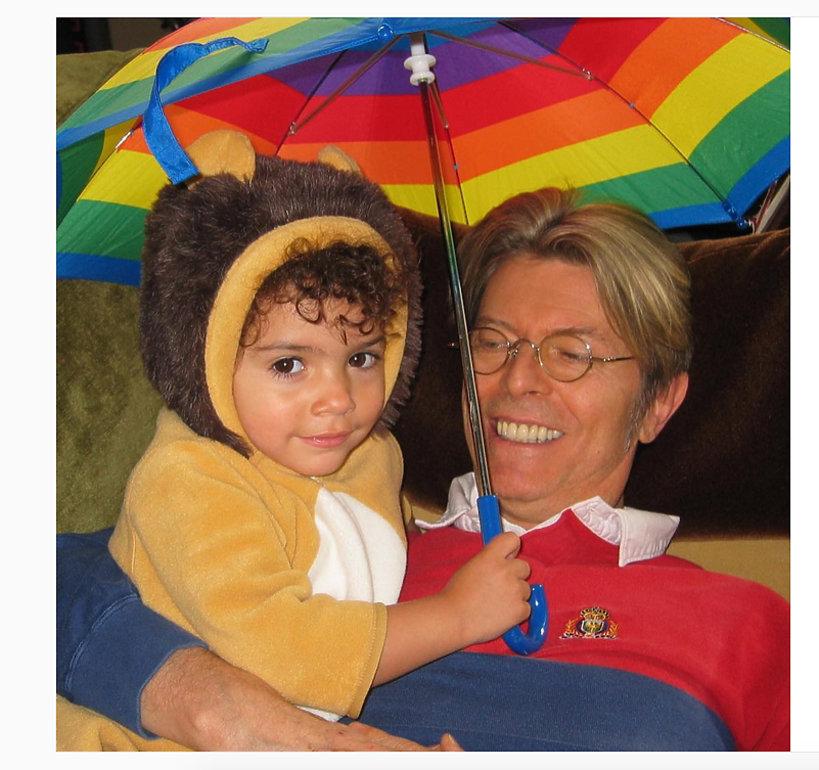 Alexandria Zahra Jones, córka Iman i David Bowie z ojcem