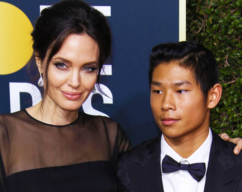 Angelina Jolie i Pax Thien Jolie-Pitt w trakcie Złotych Globów 2018