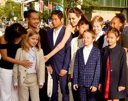 Angelina Jolie straci prawo do opieki na szóstką dzieci?!