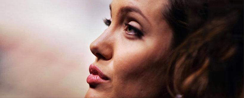 Angelina Jolie, VIVA!