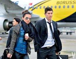 Anna i Robert Lewandowscy na lotnisku