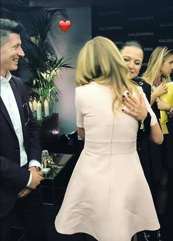 Anna Lewandowska i Robert Lewandowski spotkali sięz Julią Roberts i wymienili z nią numerami telefonów
