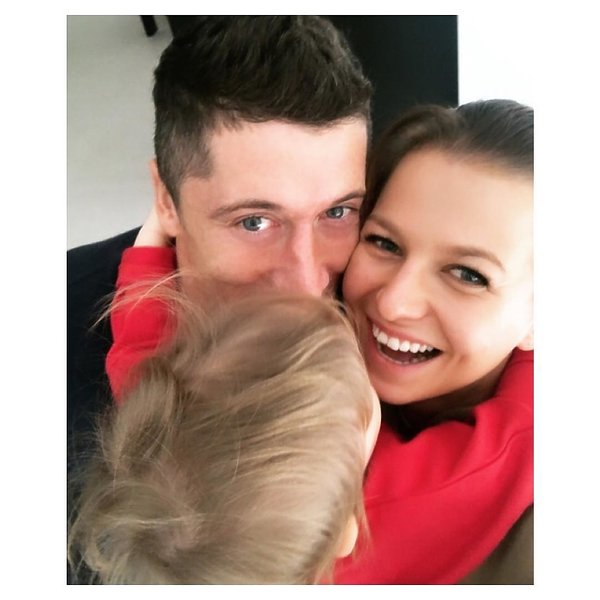 Anna Lewandowska ma nową fryzurę. Postawiła na grzywkę
