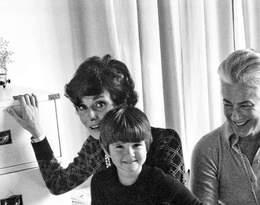 Audrey Hepburn z synem Lucą i przyjaciółką w 1973 roku