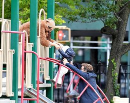 Bradley Cooper i Irina Shayk z córeczką Leą. Rodzinne zdjęcia pary