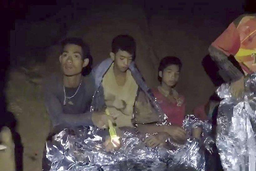 Chłopcy uwięzieni w jaskini w Talandii, Akcja ratunkowa w Tajlandii
