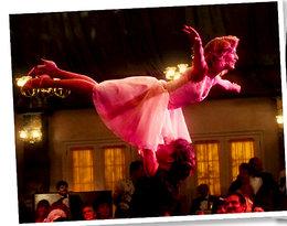 """""""Dirty Dancing"""" kończy 30 lat! Zobacz najpiękniejsze kadry z filmu!"""