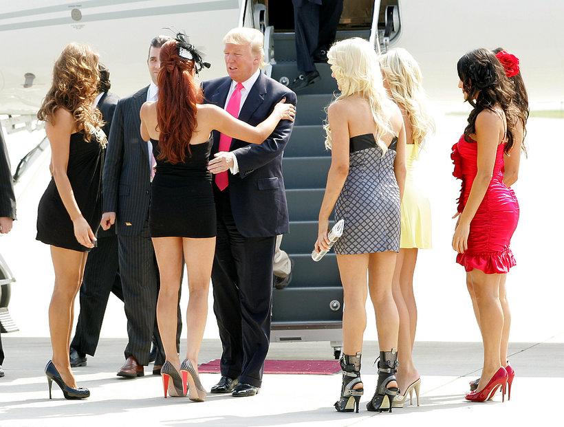 Donald Trump wpada w ramiona młodej dziewczyny