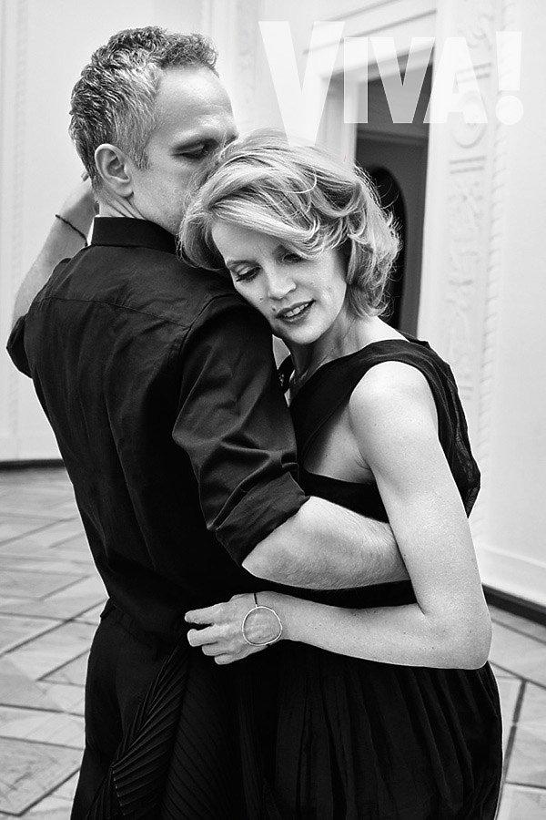 Dorota Chotecka i Radosław Pazura przytulają się