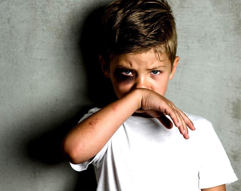 Dziecko, porwanie, pobicie, pobite dziecko