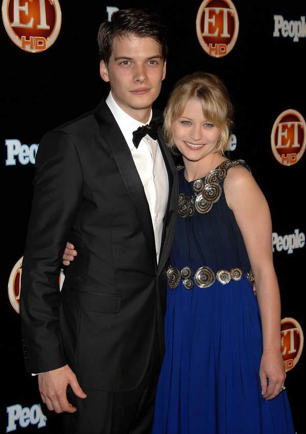 Emilie de Ravin, Josh Janowicz, 21.09.2008 r.