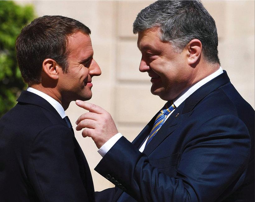 Emmanuel Macron jest gejem i ukrywał romans z facetem?