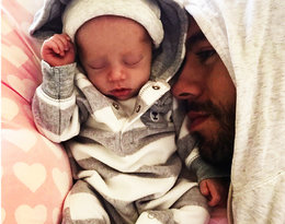 Te zdjęcia Enrique Iglesiasa z kilkumiesięcznymi dziećmi podbiły serca jego fanów!