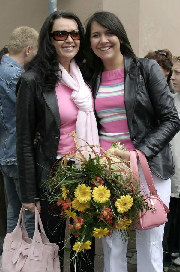 Ewa Krawczyk, Sylwia, adoptowana córka Krzysztofa Krawczyka, festiwal w Opolu, 11.06.2005 rok
