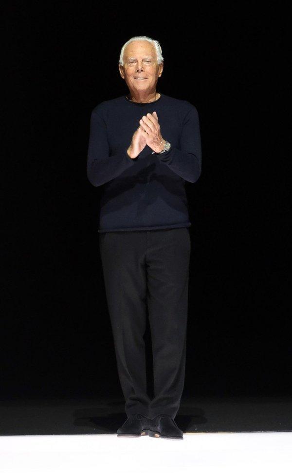 Giorgio Armani na pokazie kolekcji jesienno-zimowej