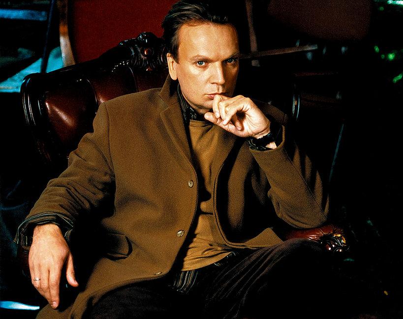 Grzegorz Ciechowski w sesji VIVY!, grudzień 2001, 25/2001
