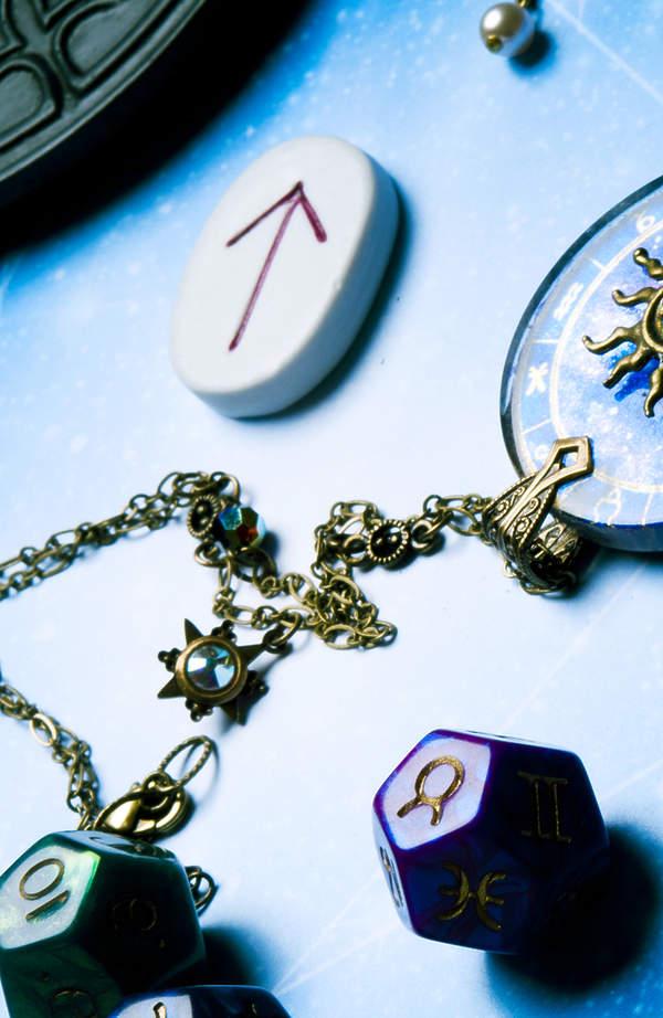 Horoskop: co przynosi szczęście znakom zodiaku?