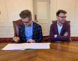 Jacek Dehnel i Piotr Tarczyński wzięli ślub w Londynie. Zdjęcia z uroczystości
