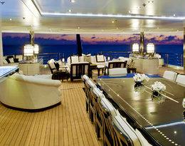 Pamiętacie alpejską willę miliardera? Luksusowy jacht Jana Kulczyka Phoenix 2 w niczym jej nie ustępuje. Musicie zobaczyć te wnętrza!