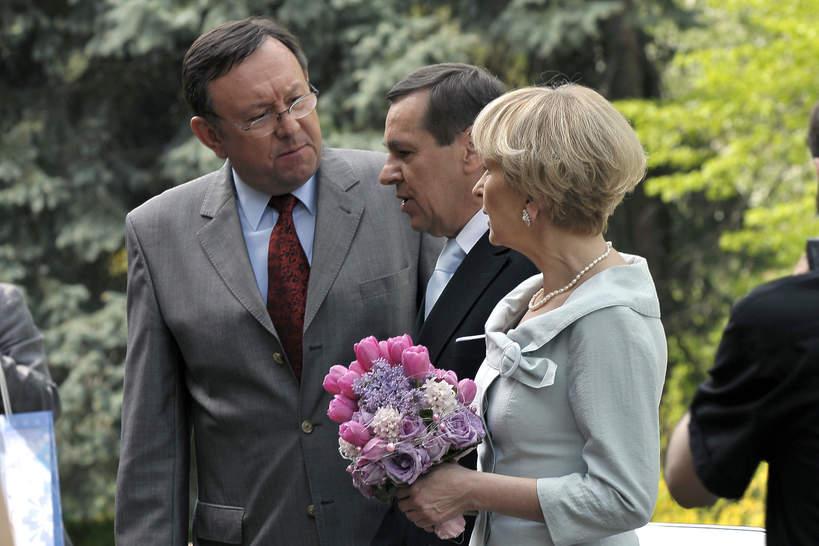 Jan Pęczek, Sławomira Łozińska, Zbigniew Buczkowski, Barwy szczęścia, kwiecień 2009