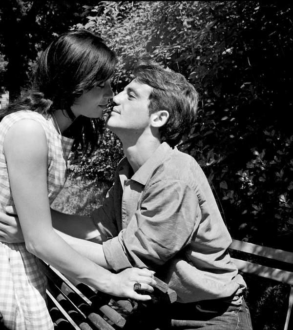 Jean-Paul Belmondo z żoną Elodie, 1959