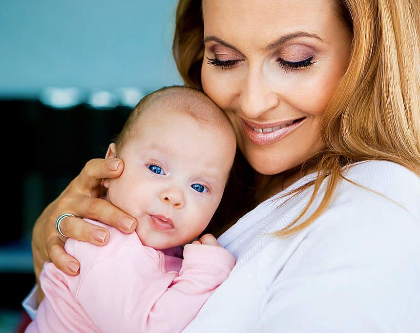 Katarzyna Skrzynecka o macierzyństwie i córeczce Alikii Ilii. Dlaczego nie wyszło jej in vitro
