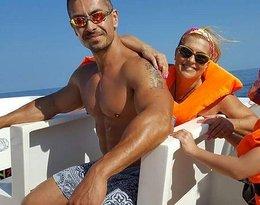Katarzyna Skrzynecka z Marcinem Łopuckim i córką Alikią na wakacjach w Afryce