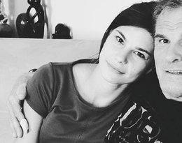 Marek Włodarczyk zaręczył się z młodszą o 36 lat aktorką. Kim jest jego ukochana?