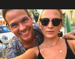Kim jest Szymon Komasa, brat Mary Komasy? Zdjęcia, Instagram: na zdjęciu z siostrą