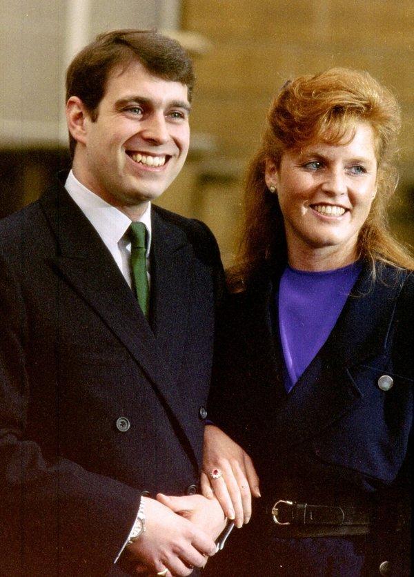 Królewskie zaręczyny: KsiążęAndrzej i Sarah Ferguson