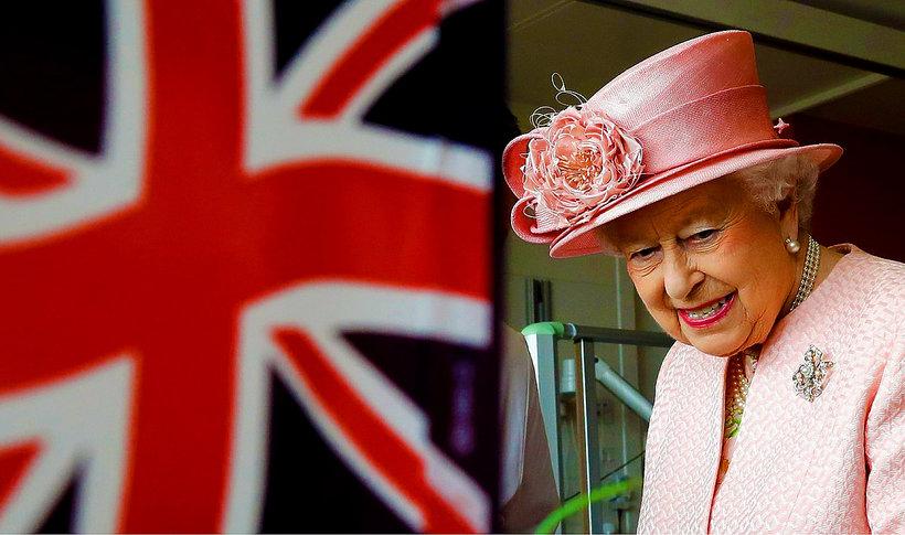 Królowa Elżbieta II, jamnik