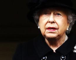 Ten gest pokazał, że królowa Elżbieta II usuwa się z życia publicznego. Jej obowiązki przejmuje książę Karol