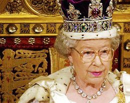"""Pierwszy wywiad Elżbiety II ujrzał światło dzienne. Królowa ujawnia sekrety koronacji: """"Mogłam złamać sobie szyję"""""""