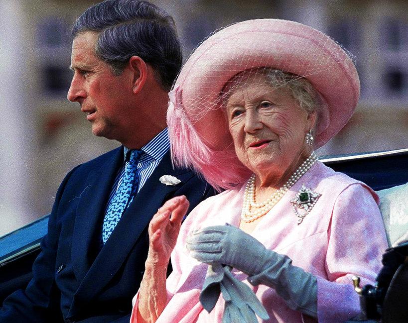 królowa matka, Elżbieta Bowes-Lyon, książę Karol