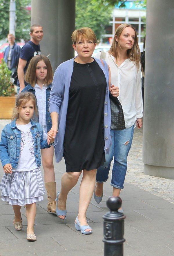 Krystyna Czubówna z wnuczkami